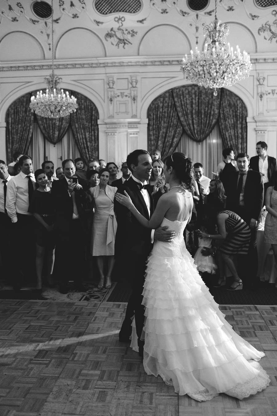 first dance in gundel restaurant wedding reception
