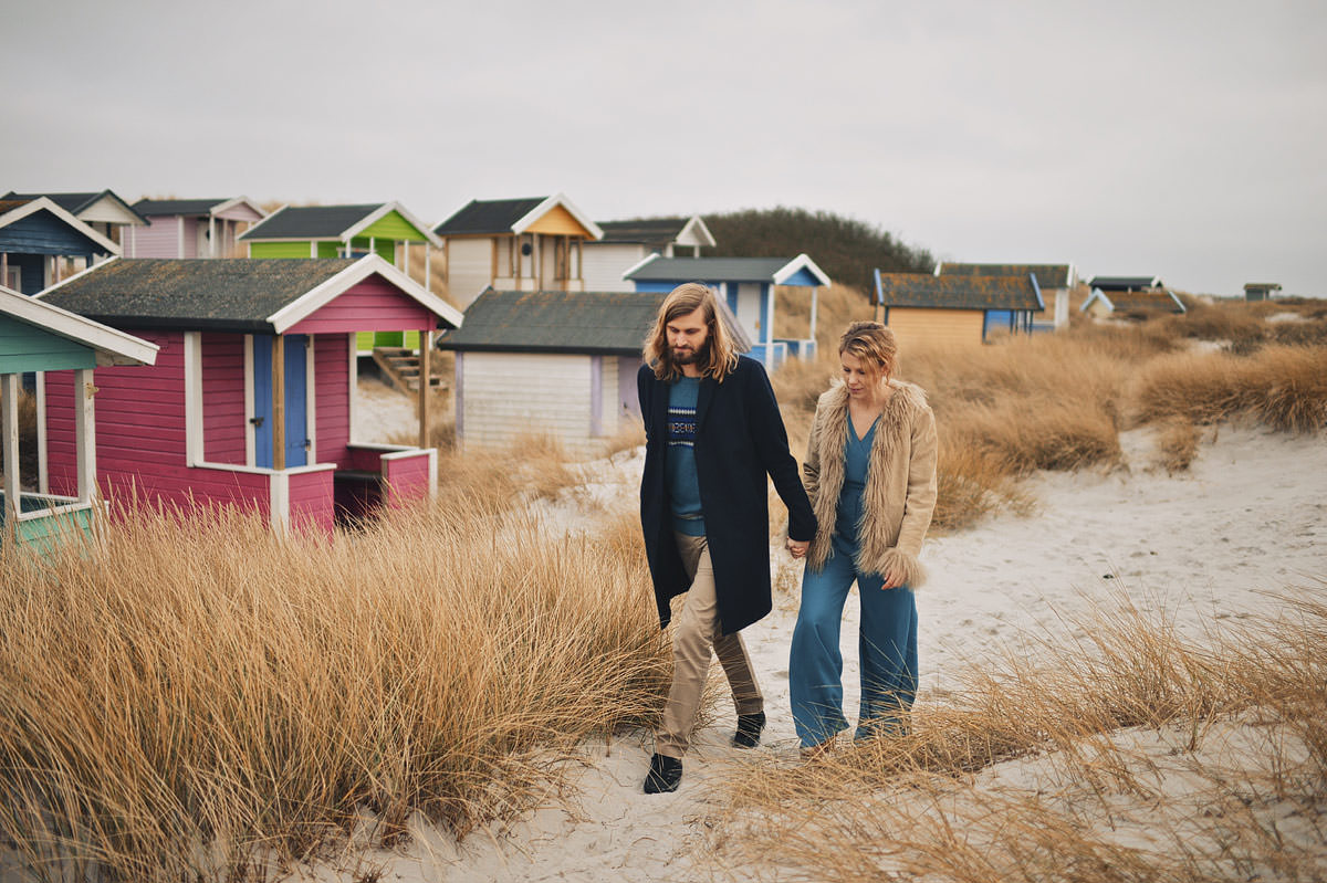 Malmo wedding photographer - skanör falsterbo colorful wooden houses and couple