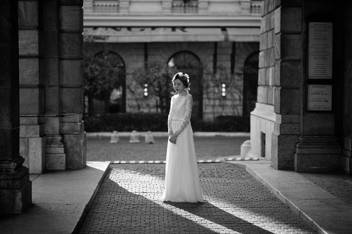 pre-wedding photoshoot Budapest Opera