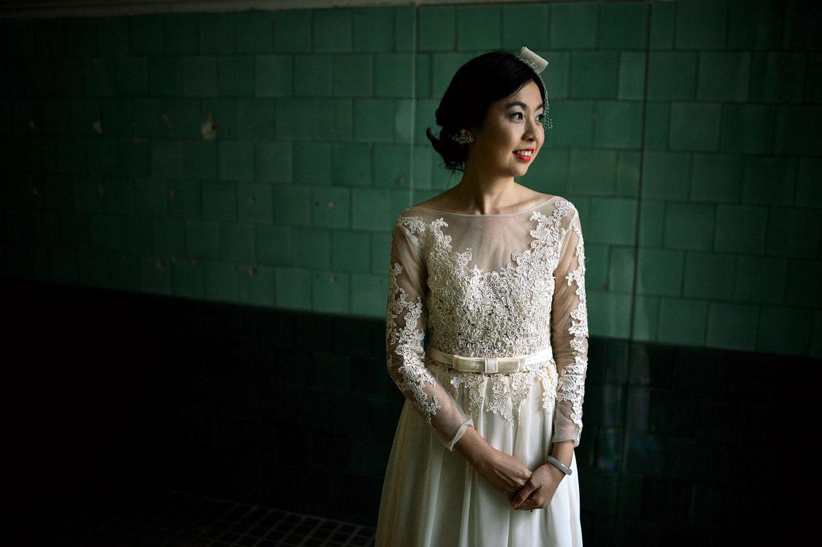 pre-wedding photoshoot Budapest green tiles