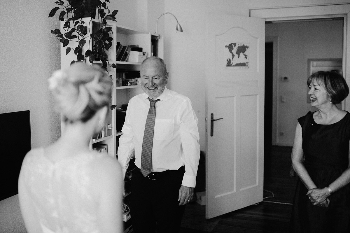 Dad of bride sees his Daughter in wedding dress