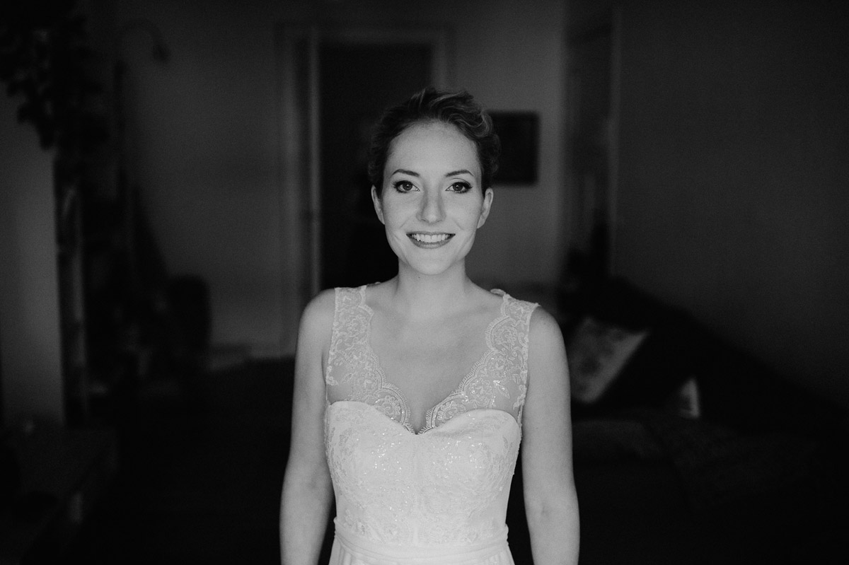 Bride getting ready in Berlin Wedding