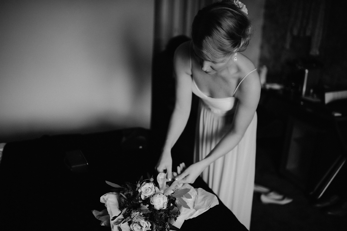 bride getting ready in Absalon Hotel Copenhagen