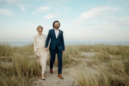 elopement scandinavian couple at copenhagen beach