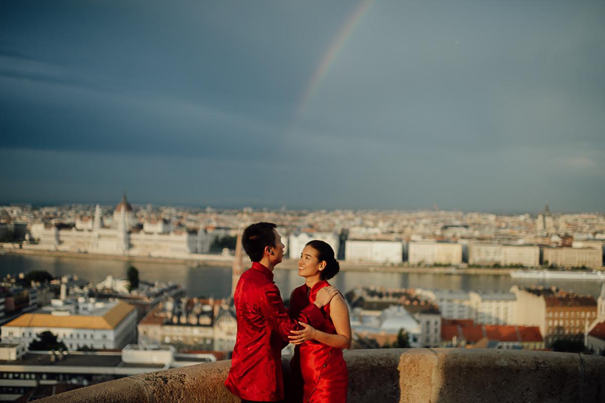 wedding couple with rainbow