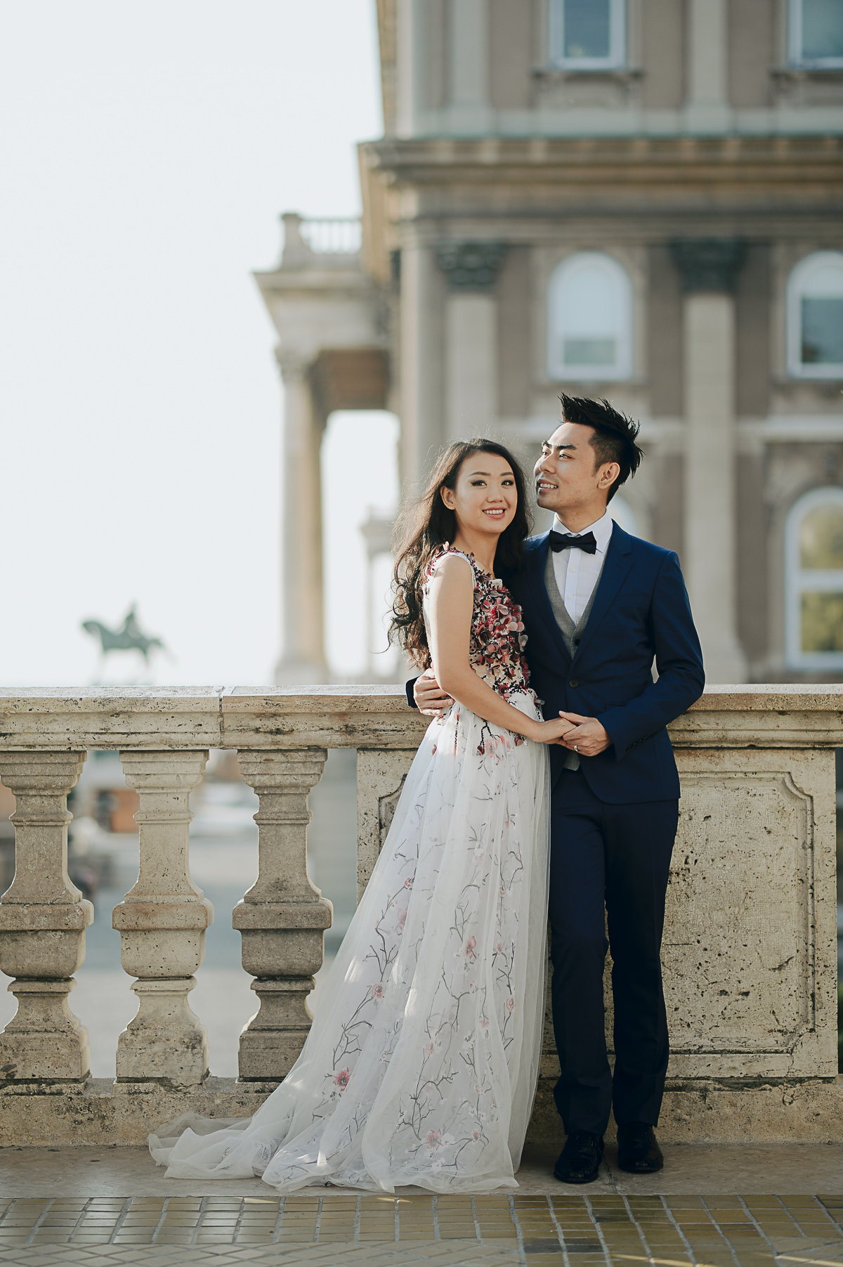 Pre-wedding photos at the Buda Castle in the early morning