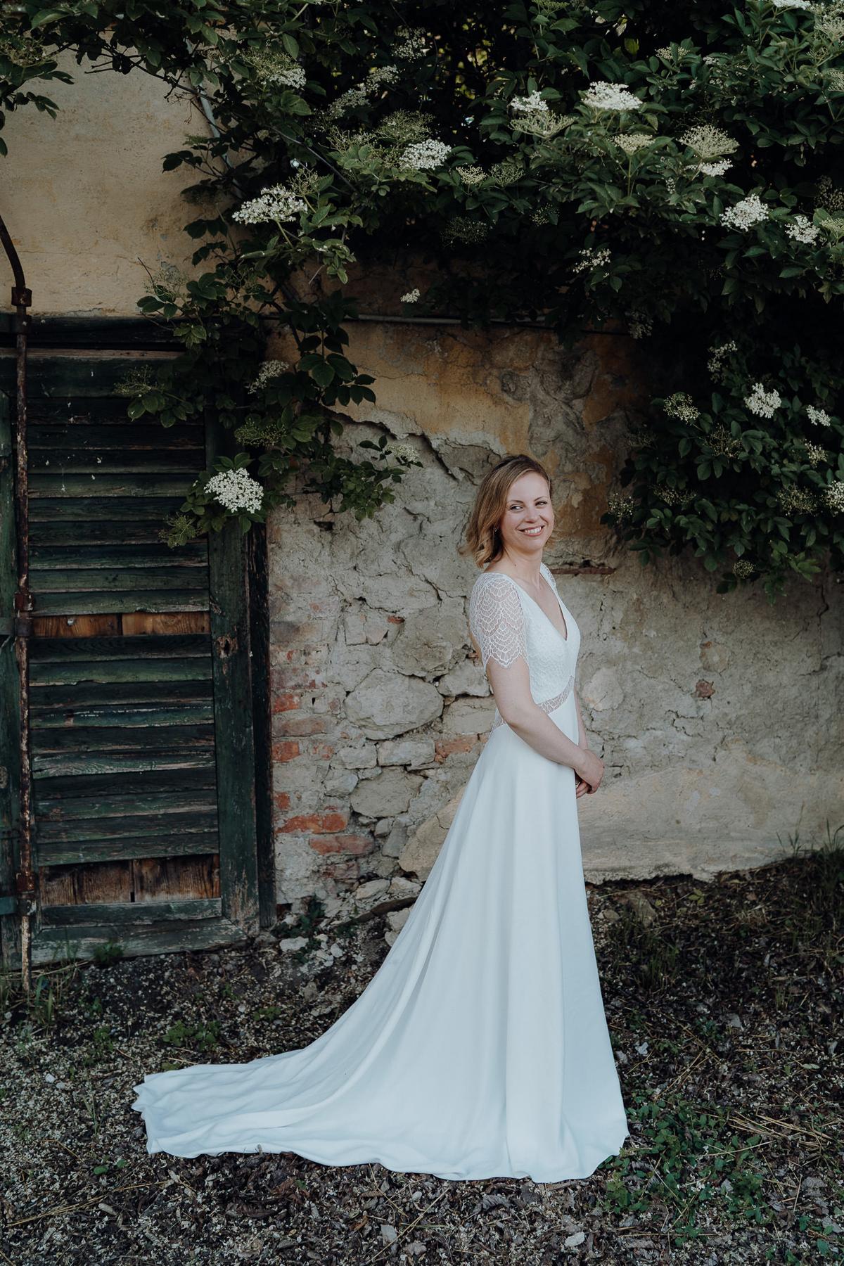 bridal portrait at at Kalandahaus Esterhazy Winery wedding