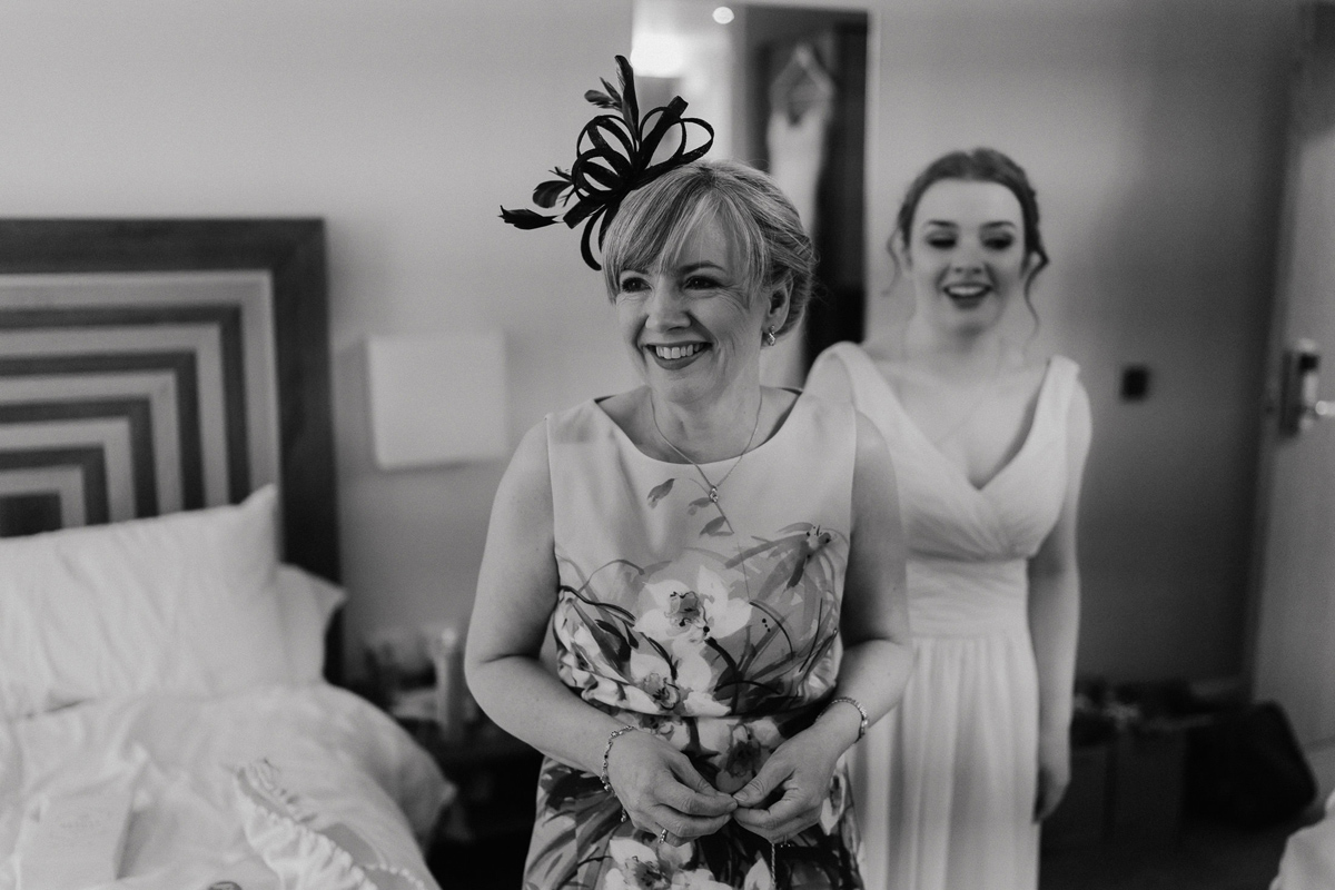 bride getting ready in Quorn Hotel
