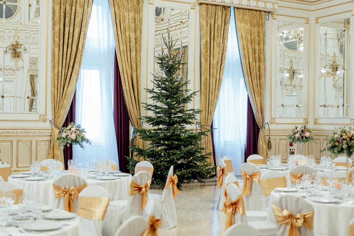 Corinthia Hotel Budapest wedding reception decoration in Grand Ballroom