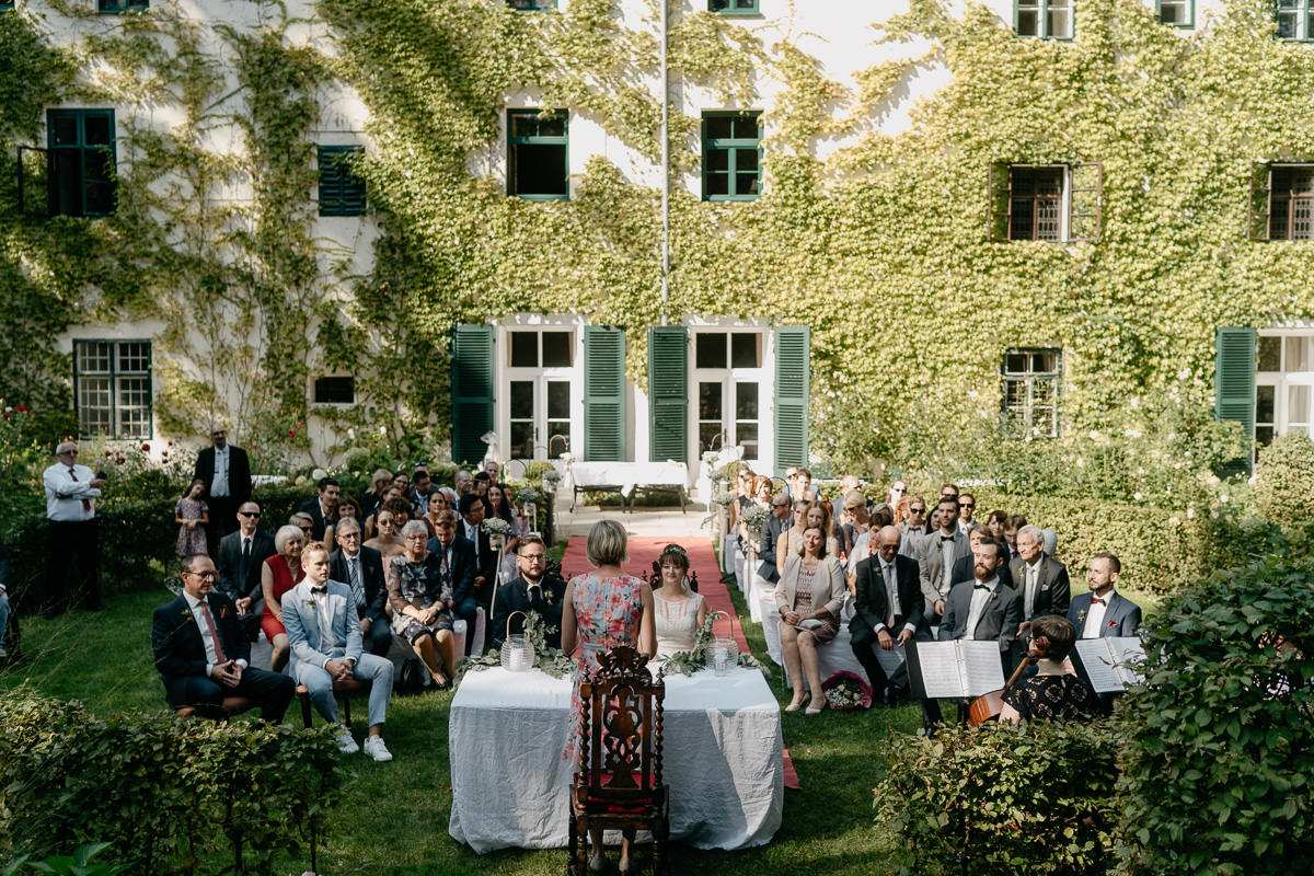 Wedding ceremony at Schloss Ernegg