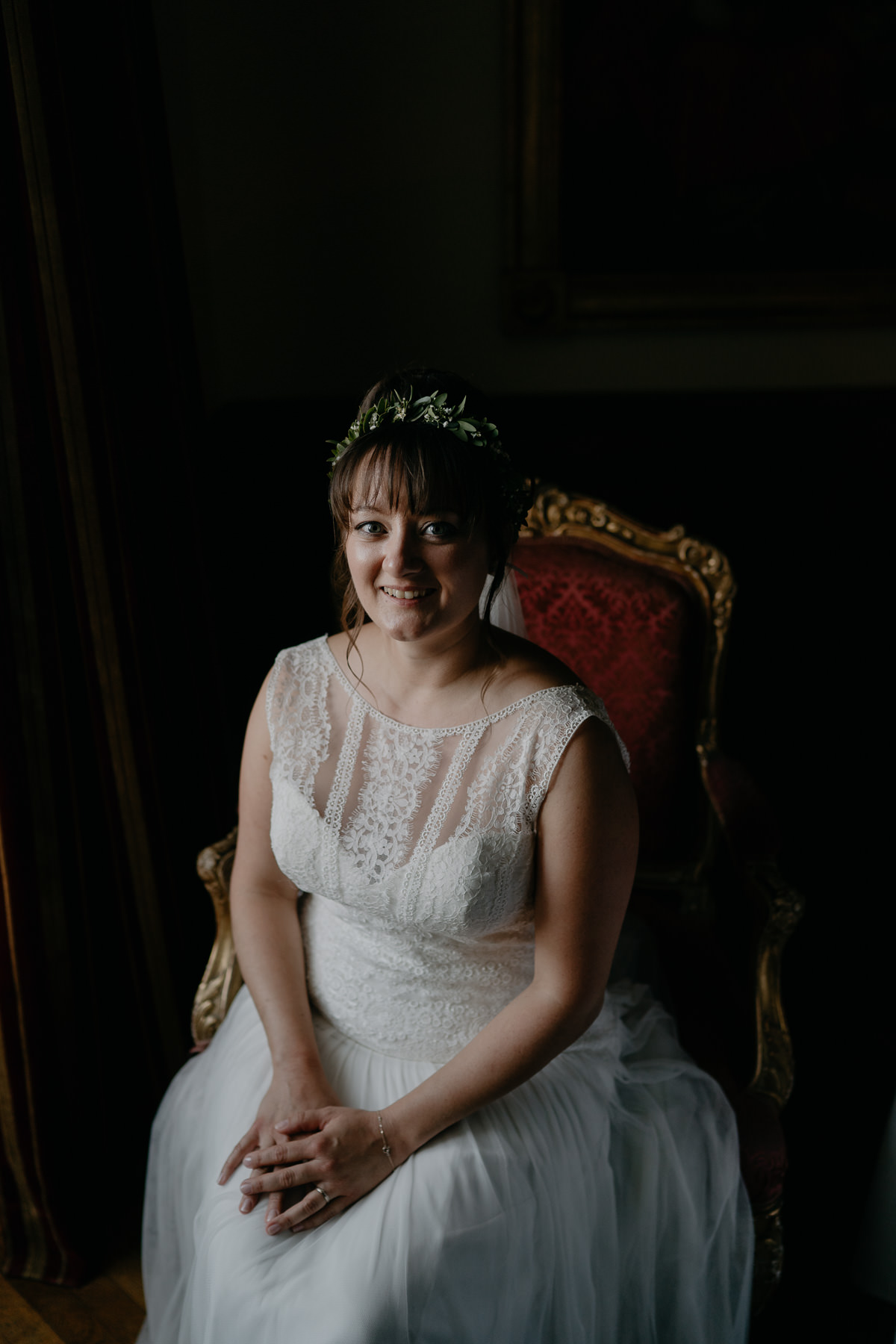 bridal portrait in Schloss Ernegg Castle