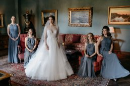 wedding group photos flowergirls creative