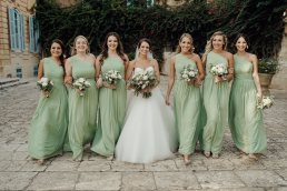wedding group photos flowergirls