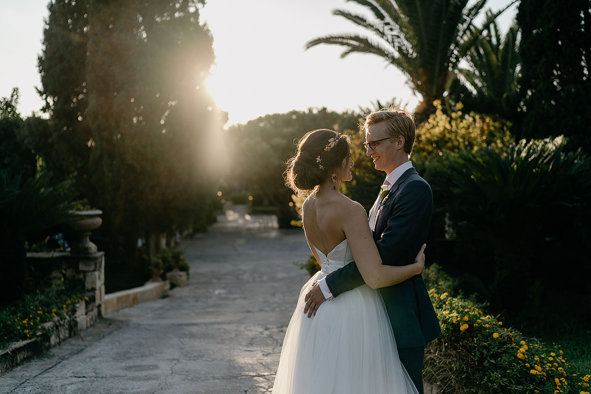 Wedding couple in sunset at Razzet-l-Abjad
