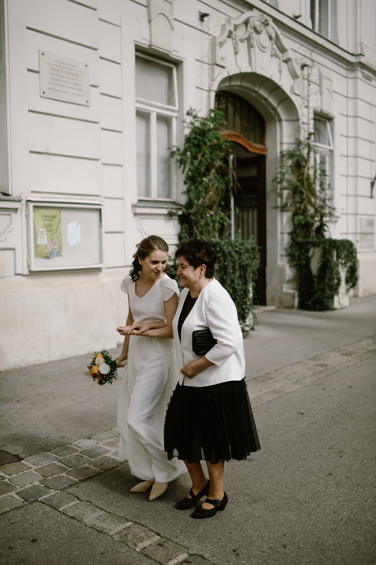 Bride and her Mum in Vienna