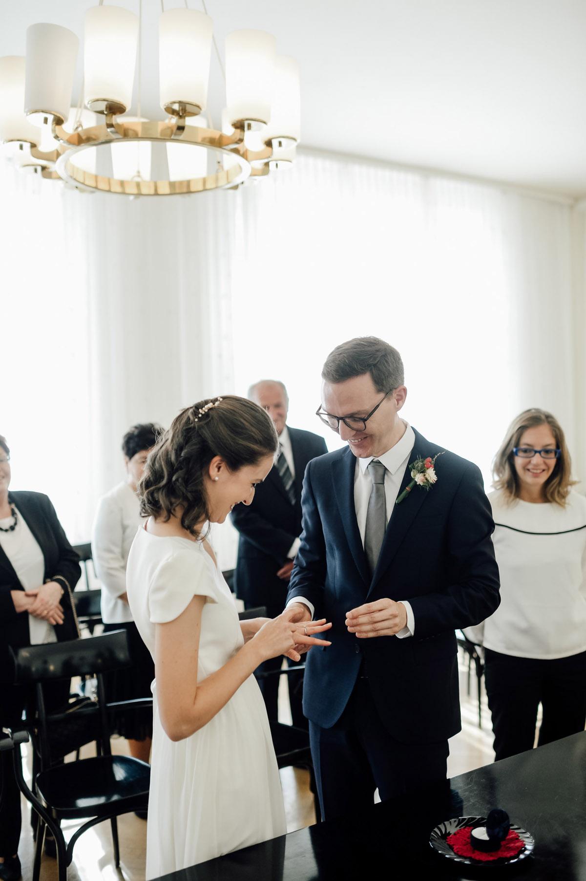 Small wedding Vienna ceremony Standesamt innere Stadt